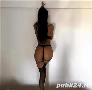 escorte sibiu: bruneta sexy cu silicoane